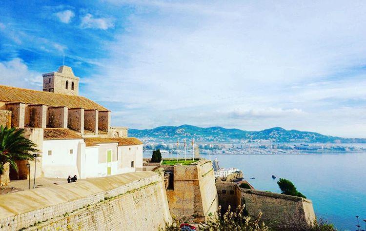 Ibiza's capital is an enchanting town with an old quarter topped by a cathedral. #going2ibiza #ibiza2015 #islandlife #corendon #travelblog #traveltheworld #instatravel #travelgram #belgianblogger #reisblog #reismicrobe #ibizastyle #ibizatown #viewpoint