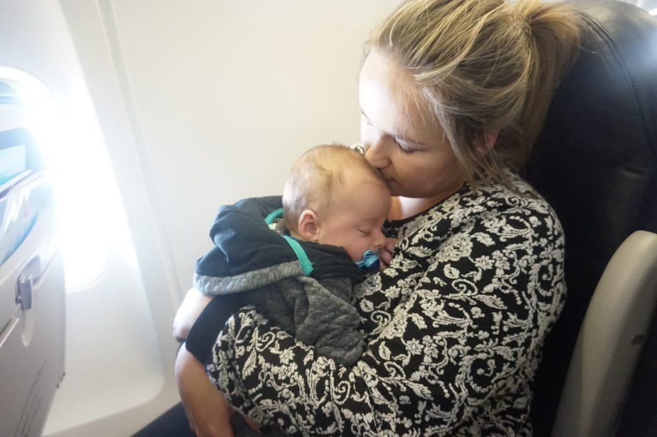 vliegen met baby